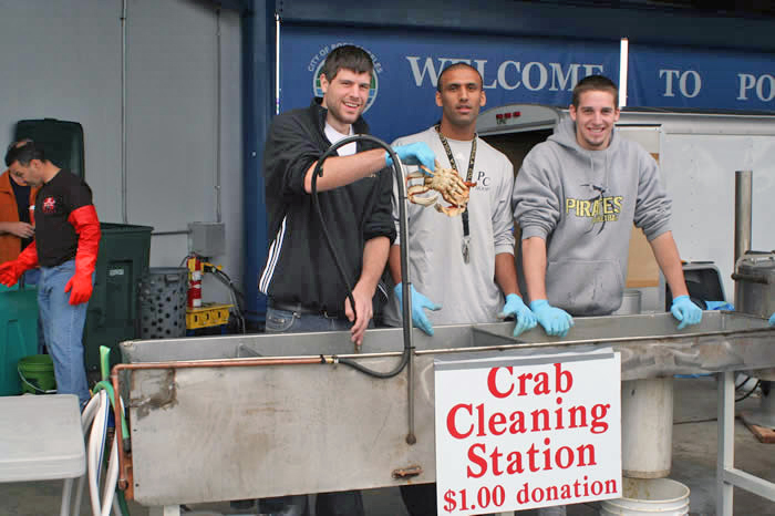 A big thanks to all of our Volunteer Crab Cleaners!